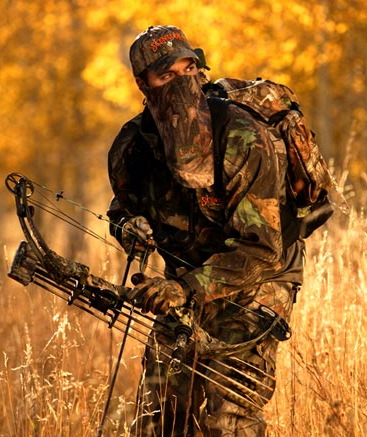 bow-hunter-in-camo