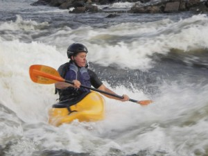 kayaking-on-a-fast-river