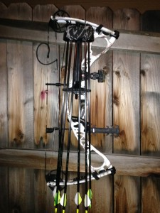 compound-bow-and-quiver